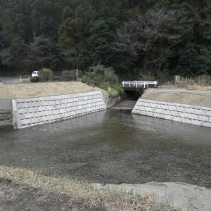 28災321号準用河川持留川河川災害復旧工事